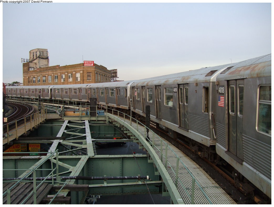 (171k, 1044x788)<br><b>Country:</b> United States<br><b>City:</b> New York<br><b>System:</b> New York City Transit<br><b>Line:</b> BMT Myrtle Avenue Line<br><b>Location:</b> Wyckoff Avenue <br><b>Route:</b> M<br><b>Car:</b> R-42 (St. Louis, 1969-1970)  4819 <br><b>Photo by:</b> David Pirmann<br><b>Date:</b> 8/14/2007<br><b>Viewed (this week/total):</b> 0 / 1973