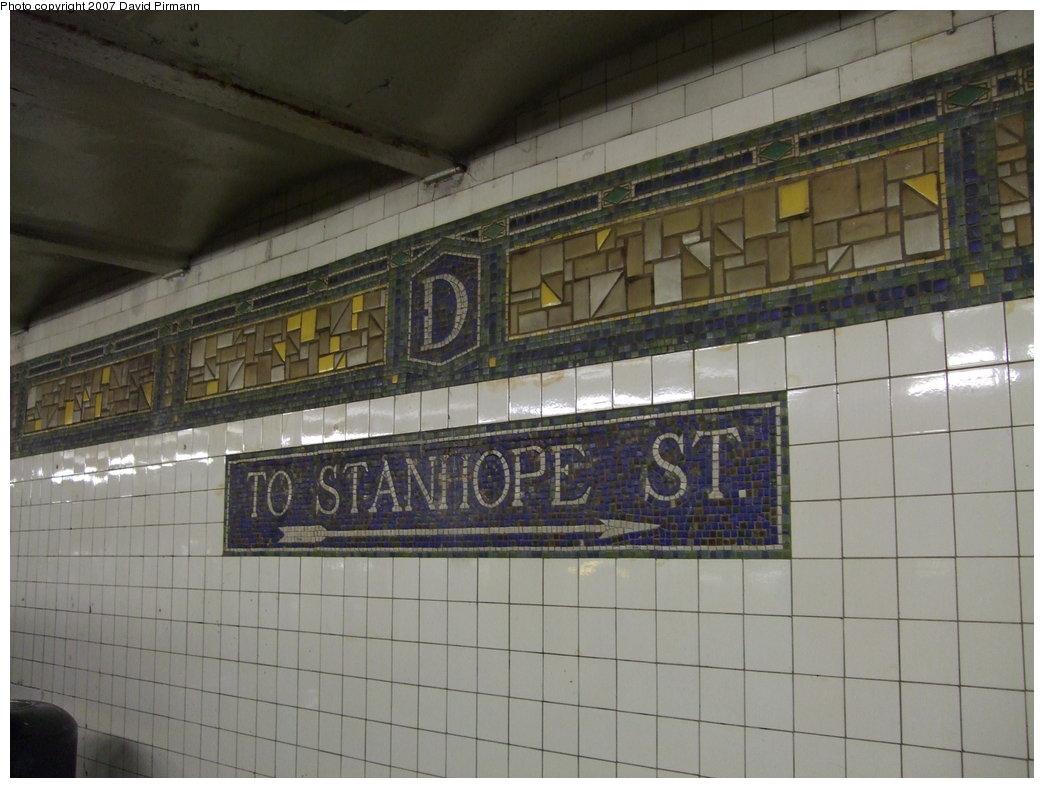 (158k, 1044x788)<br><b>Country:</b> United States<br><b>City:</b> New York<br><b>System:</b> New York City Transit<br><b>Line:</b> BMT Canarsie Line<br><b>Location:</b> DeKalb Avenue <br><b>Photo by:</b> David Pirmann<br><b>Date:</b> 8/14/2007<br><b>Viewed (this week/total):</b> 0 / 1261