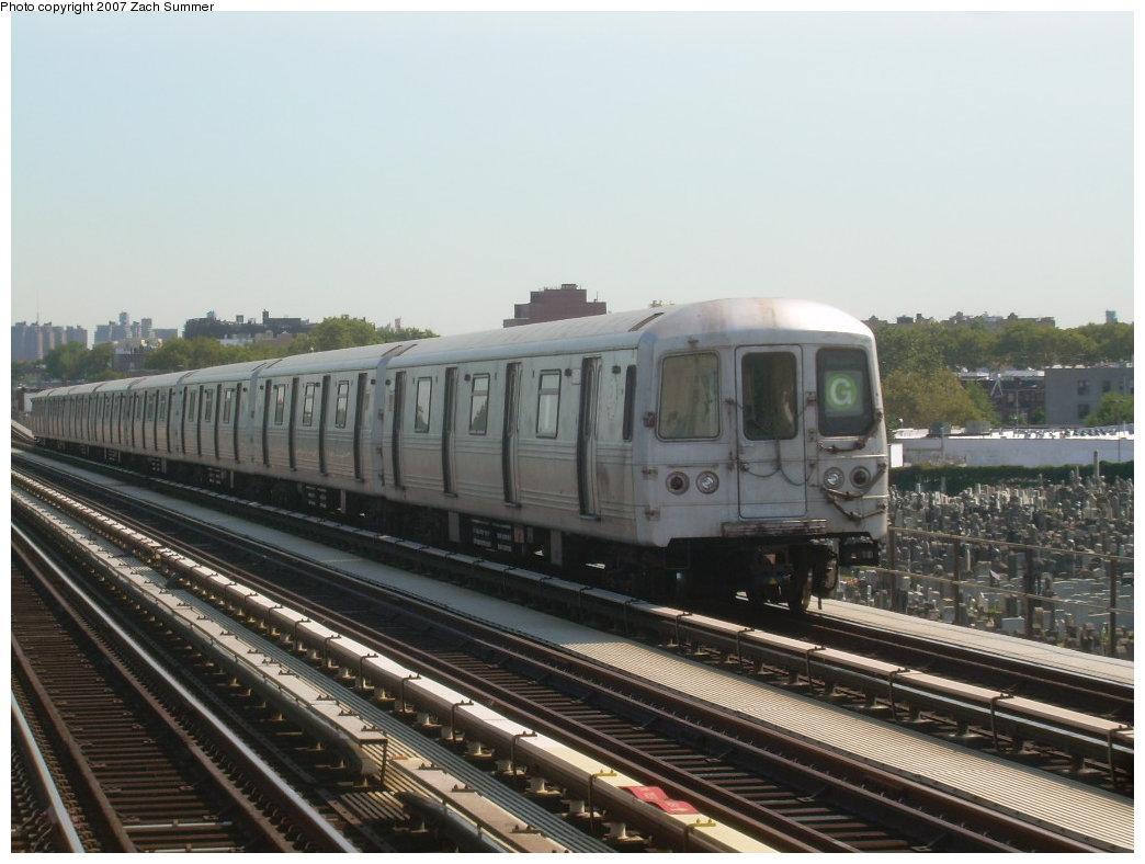 (187k, 1044x788)<br><b>Country:</b> United States<br><b>City:</b> New York<br><b>System:</b> New York City Transit<br><b>Line:</b> BMT Culver Line<br><b>Location:</b> Bay Parkway (22nd Avenue) <br><b>Route:</b> G<br><b>Car:</b> R-46 (Pullman-Standard, 1974-75)  <br><b>Photo by:</b> Zach Summer<br><b>Date:</b> 8/12/2007<br><b>Viewed (this week/total):</b> 2 / 1456