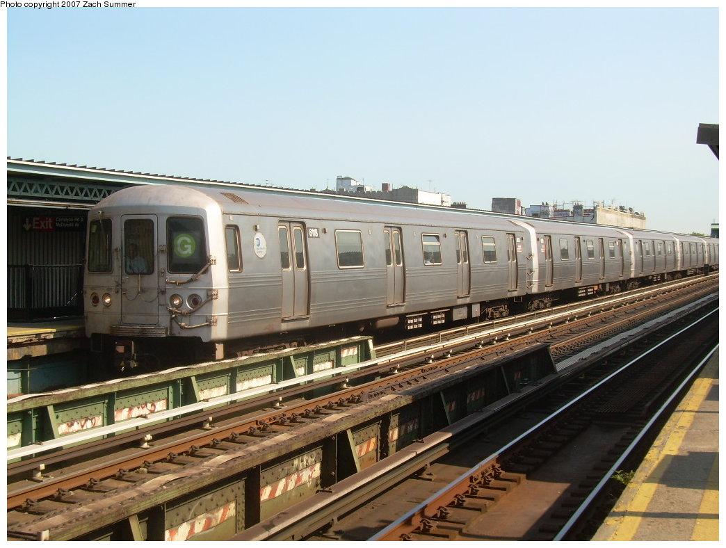 (206k, 1044x788)<br><b>Country:</b> United States<br><b>City:</b> New York<br><b>System:</b> New York City Transit<br><b>Line:</b> BMT Culver Line<br><b>Location:</b> Ditmas Avenue <br><b>Route:</b> G<br><b>Car:</b> R-46 (Pullman-Standard, 1974-75) 6118 <br><b>Photo by:</b> Zach Summer<br><b>Date:</b> 8/12/2007<br><b>Viewed (this week/total):</b> 3 / 1710
