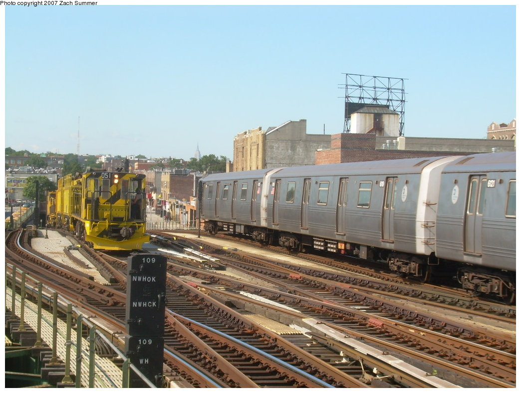 (226k, 1044x788)<br><b>Country:</b> United States<br><b>City:</b> New York<br><b>System:</b> New York City Transit<br><b>Line:</b> BMT Culver Line<br><b>Location:</b> Ditmas Avenue <br><b>Route:</b> G<br><b>Car:</b> R-46 (Pullman-Standard, 1974-75) 6021 <br><b>Photo by:</b> Zach Summer<br><b>Date:</b> 8/12/2007<br><b>Viewed (this week/total):</b> 5 / 1689