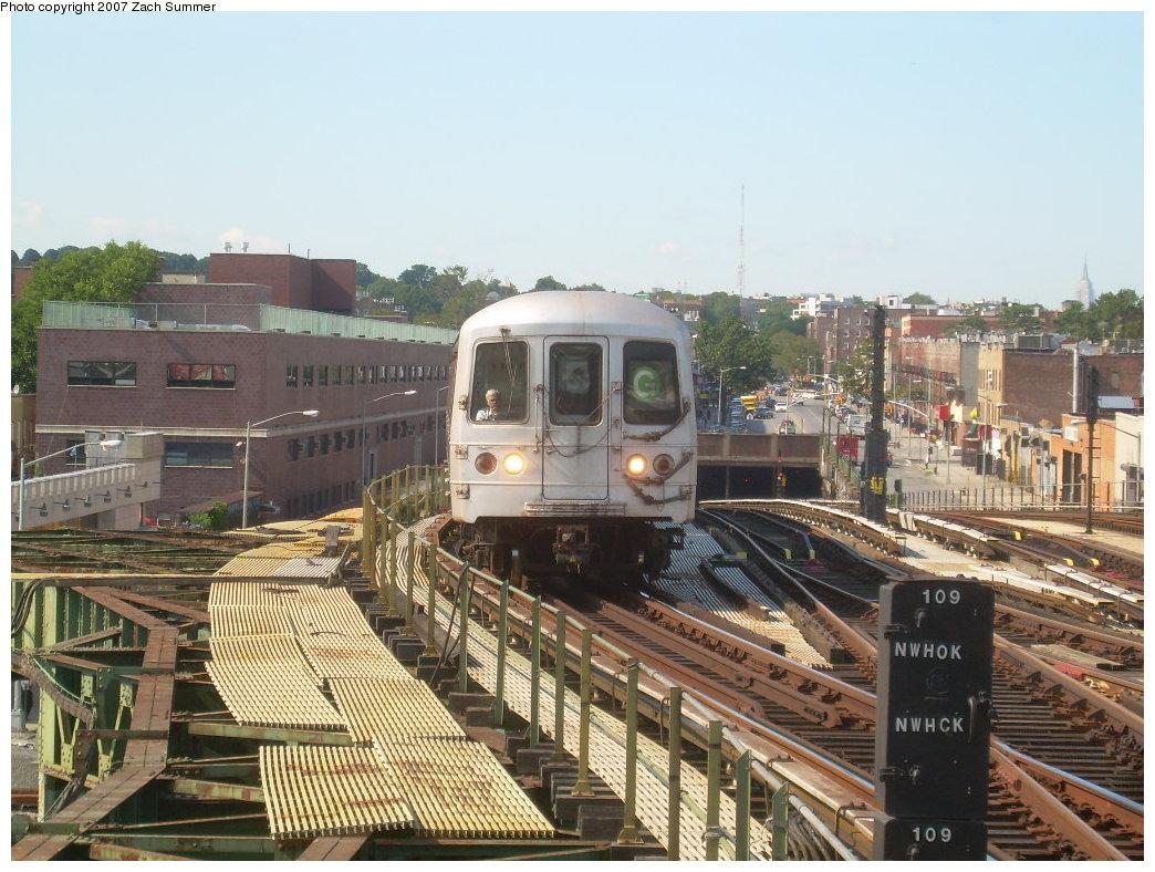 (236k, 1044x788)<br><b>Country:</b> United States<br><b>City:</b> New York<br><b>System:</b> New York City Transit<br><b>Line:</b> BMT Culver Line<br><b>Location:</b> Ditmas Avenue <br><b>Route:</b> G<br><b>Car:</b> R-46 (Pullman-Standard, 1974-75)  <br><b>Photo by:</b> Zach Summer<br><b>Date:</b> 8/12/2007<br><b>Viewed (this week/total):</b> 0 / 1939