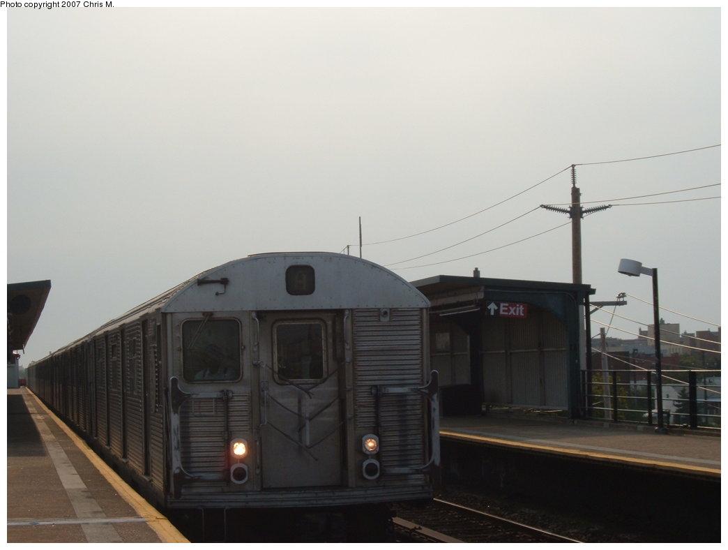 (94k, 1044x788)<br><b>Country:</b> United States<br><b>City:</b> New York<br><b>System:</b> New York City Transit<br><b>Line:</b> IND Rockaway<br><b>Location:</b> Beach 44th Street/Frank Avenue <br><b>Route:</b> A<br><b>Car:</b> R-32 (Budd, 1964)  3477 <br><b>Photo by:</b> Chris M.<br><b>Date:</b> 8/15/2007<br><b>Viewed (this week/total):</b> 0 / 1907