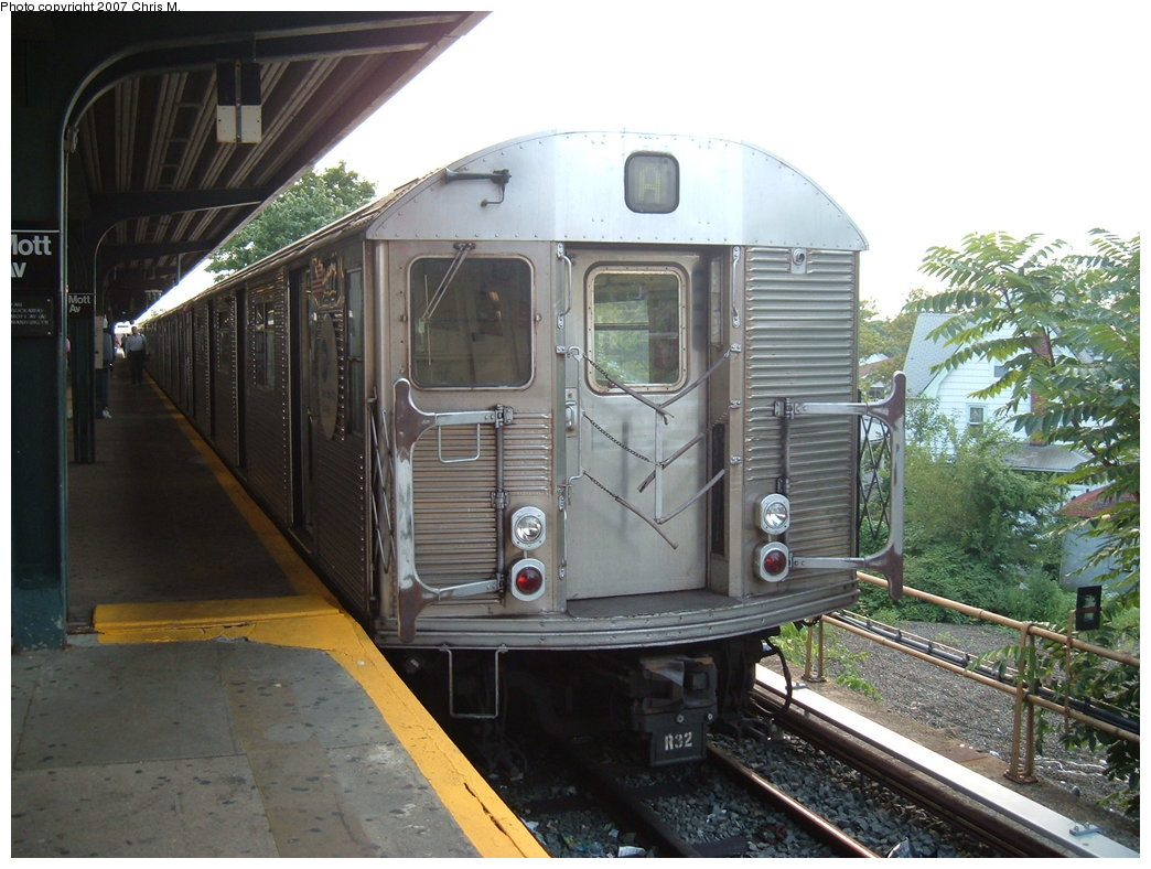 (189k, 1044x788)<br><b>Country:</b> United States<br><b>City:</b> New York<br><b>System:</b> New York City Transit<br><b>Line:</b> IND Rockaway<br><b>Location:</b> Mott Avenue/Far Rockaway <br><b>Route:</b> A<br><b>Car:</b> R-32 (Budd, 1964)  3477 <br><b>Photo by:</b> Chris M.<br><b>Date:</b> 8/15/2007<br><b>Viewed (this week/total):</b> 1 / 1512
