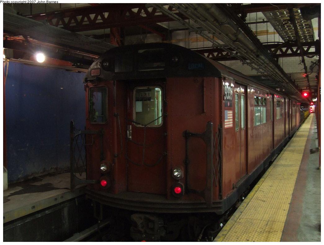 (137k, 1044x788)<br><b>Country:</b> United States<br><b>City:</b> New York<br><b>System:</b> New York City Transit<br><b>Line:</b> IND 8th Avenue Line<br><b>Location:</b> 59th Street/Columbus Circle <br><b>Route:</b> Work Service<br><b>Car:</b> R-33 World's Fair (St. Louis, 1963-64) 9339 <br><b>Photo by:</b> John Barnes<br><b>Date:</b> 8/10/2007<br><b>Viewed (this week/total):</b> 0 / 2158