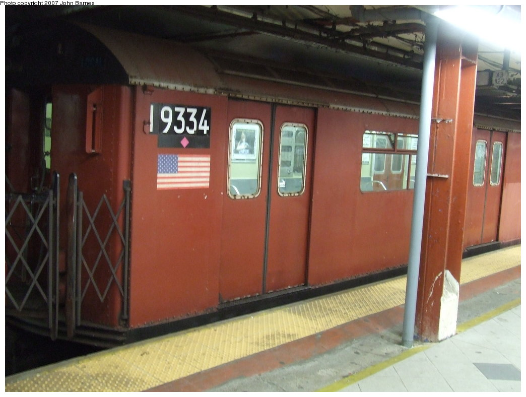 (145k, 1044x788)<br><b>Country:</b> United States<br><b>City:</b> New York<br><b>System:</b> New York City Transit<br><b>Line:</b> IND 8th Avenue Line<br><b>Location:</b> 59th Street/Columbus Circle <br><b>Route:</b> Work Service<br><b>Car:</b> R-33 World's Fair (St. Louis, 1963-64) 9334 <br><b>Photo by:</b> John Barnes<br><b>Date:</b> 8/10/2007<br><b>Viewed (this week/total):</b> 0 / 1942