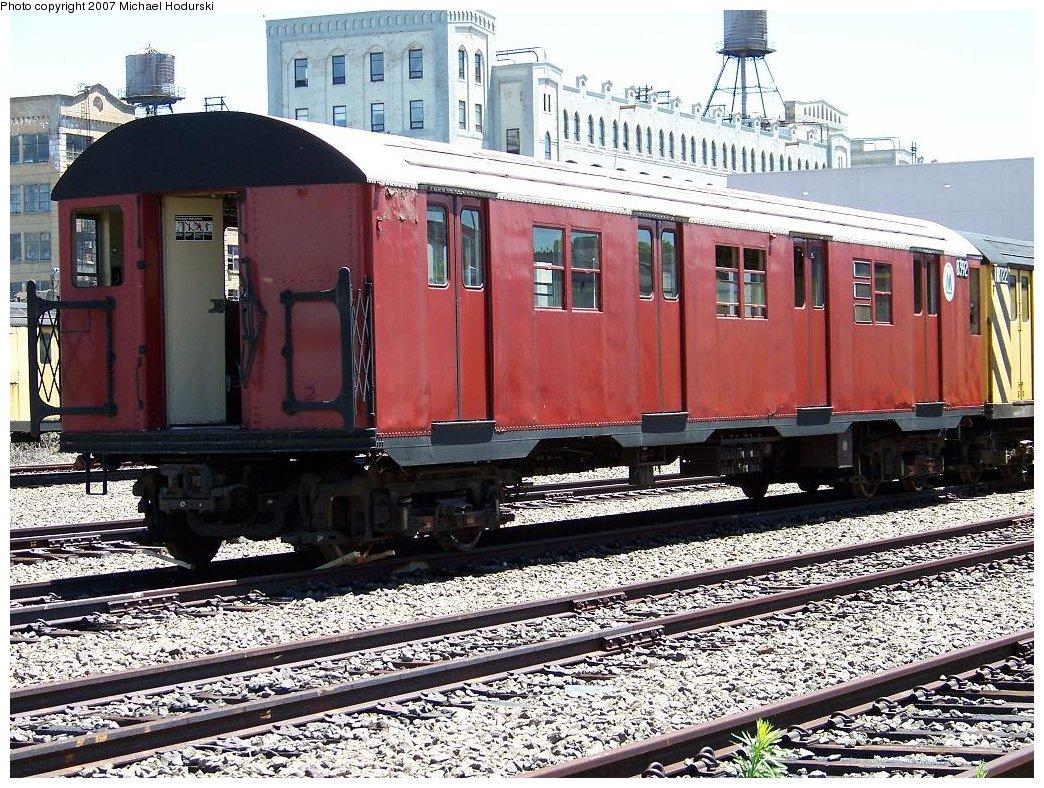 (277k, 1044x788)<br><b>Country:</b> United States<br><b>City:</b> New York<br><b>System:</b> New York City Transit<br><b>Line:</b> South Brooklyn Railway<br><b>Location:</b> SBK Yard (2nd Ave at 38th St.) (SBK)<br><b>Car:</b> R-30 (St. Louis, 1961) 8392 <br><b>Photo by:</b> Michael Hodurski<br><b>Date:</b> 7/12/2007<br><b>Viewed (this week/total):</b> 1 / 2048