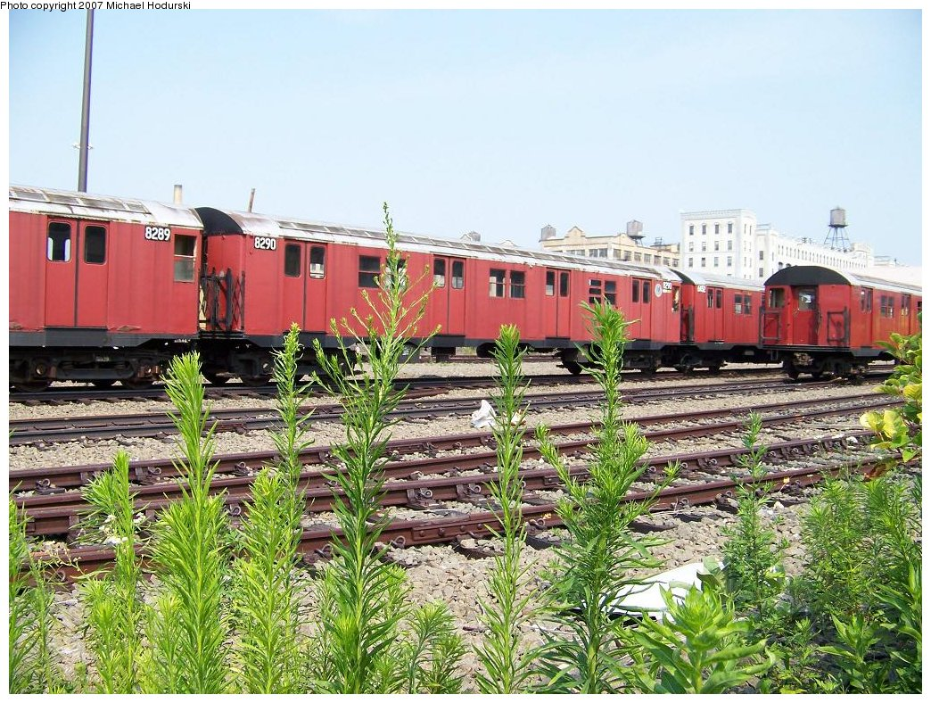 (275k, 1044x788)<br><b>Country:</b> United States<br><b>City:</b> New York<br><b>System:</b> New York City Transit<br><b>Line:</b> South Brooklyn Railway<br><b>Location:</b> SBK Yard (2nd Ave at 38th St.) (SBK)<br><b>Car:</b> R-30 (St. Louis, 1961) 8290 <br><b>Photo by:</b> Michael Hodurski<br><b>Date:</b> 7/17/2007<br><b>Viewed (this week/total):</b> 0 / 1984