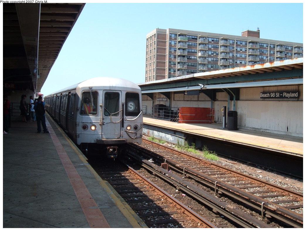 (198k, 1044x788)<br><b>Country:</b> United States<br><b>City:</b> New York<br><b>System:</b> New York City Transit<br><b>Line:</b> IND Rockaway<br><b>Location:</b> Beach 98th Street/Playland <br><b>Route:</b> S<br><b>Car:</b> R-44 (St. Louis, 1971-73)  <br><b>Photo by:</b> Chris M.<br><b>Date:</b> 8/8/2007<br><b>Viewed (this week/total):</b> 4 / 1612