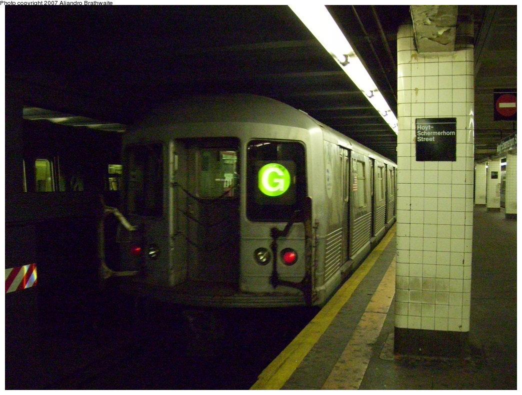 (193k, 1044x791)<br><b>Country:</b> United States<br><b>City:</b> New York<br><b>System:</b> New York City Transit<br><b>Line:</b> IND Fulton Street Line<br><b>Location:</b> Hoyt-Schermerhorn Street <br><b>Route:</b> G<br><b>Car:</b> R-42 (St. Louis, 1969-1970)  4932 <br><b>Photo by:</b> Aliandro Brathwaite<br><b>Date:</b> 8/11/2007<br><b>Viewed (this week/total):</b> 2 / 3450