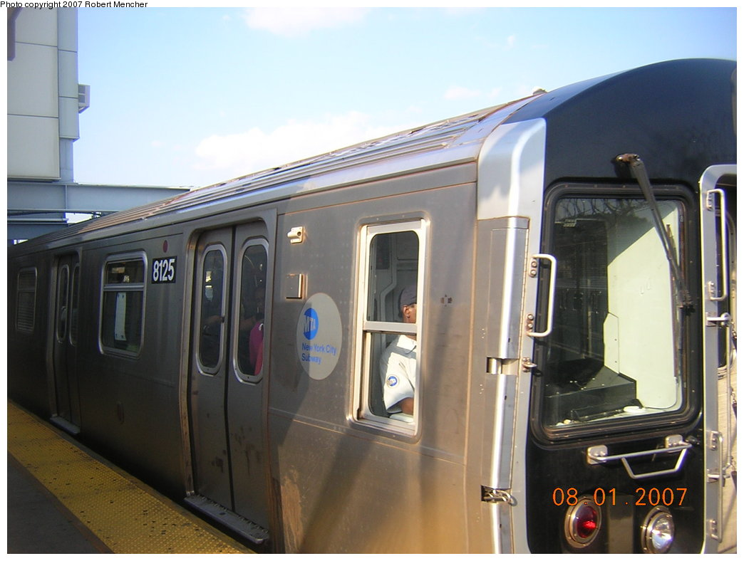 (170k, 1044x788)<br><b>Country:</b> United States<br><b>City:</b> New York<br><b>System:</b> New York City Transit<br><b>Line:</b> BMT Canarsie Line<br><b>Location:</b> Rockaway Parkway <br><b>Route:</b> L<br><b>Car:</b> R-143 (Kawasaki, 2001-2002) 8125 <br><b>Photo by:</b> Robert Mencher<br><b>Date:</b> 8/1/2007<br><b>Viewed (this week/total):</b> 0 / 2804