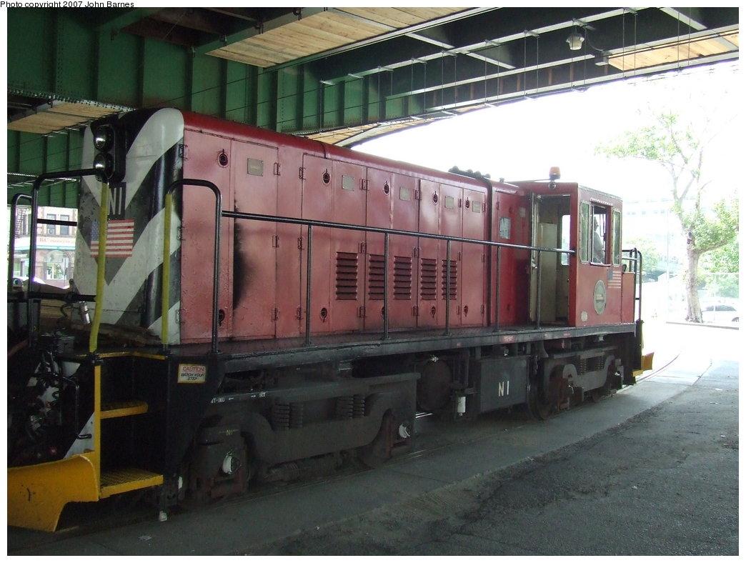 (171k, 1044x788)<br><b>Country:</b> United States<br><b>City:</b> New York<br><b>System:</b> New York City Transit<br><b>Line:</b> South Brooklyn Railway<br><b>Location:</b> 3rd Avenue/38th St Crossing (Gowanus) (SBK)<br><b>Car:</b> R-47 (SBK) Locomotive  N1 <br><b>Photo by:</b> John Barnes<br><b>Date:</b> 7/17/2007<br><b>Viewed (this week/total):</b> 0 / 1516