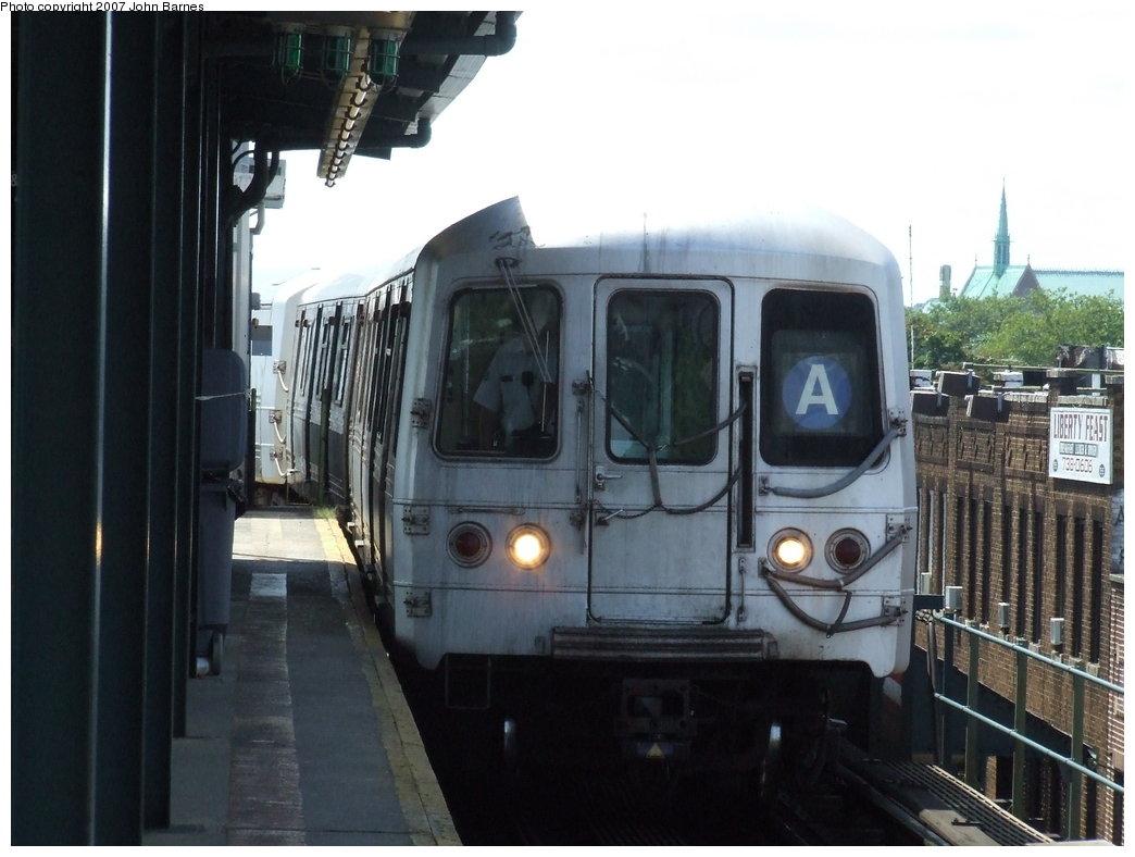(147k, 1044x788)<br><b>Country:</b> United States<br><b>City:</b> New York<br><b>System:</b> New York City Transit<br><b>Line:</b> IND Fulton Street Line<br><b>Location:</b> Lefferts Boulevard <br><b>Route:</b> A<br><b>Car:</b> R-44 (St. Louis, 1971-73) 5392 <br><b>Photo by:</b> John Barnes<br><b>Date:</b> 7/22/2007<br><b>Viewed (this week/total):</b> 5 / 1530