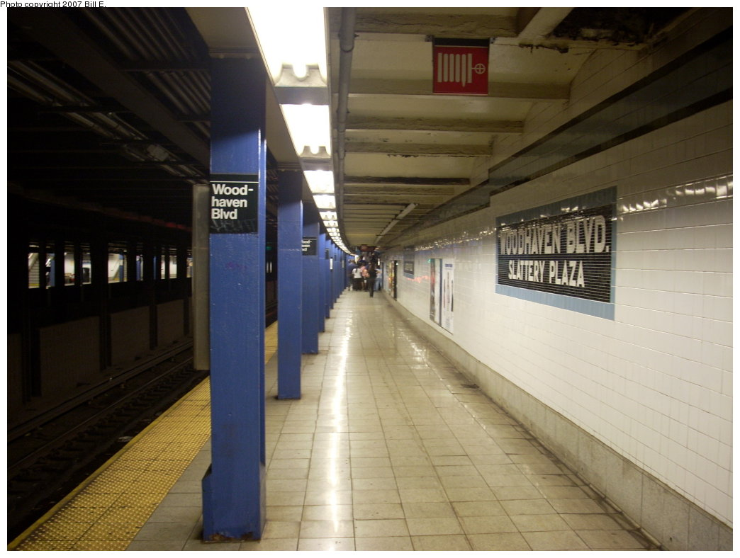 (167k, 1044x788)<br><b>Country:</b> United States<br><b>City:</b> New York<br><b>System:</b> New York City Transit<br><b>Line:</b> IND Queens Boulevard Line<br><b>Location:</b> Woodhaven Boulevard/Queens Mall <br><b>Photo by:</b> Bill E.<br><b>Date:</b> 8/16/2007<br><b>Viewed (this week/total):</b> 3 / 2696