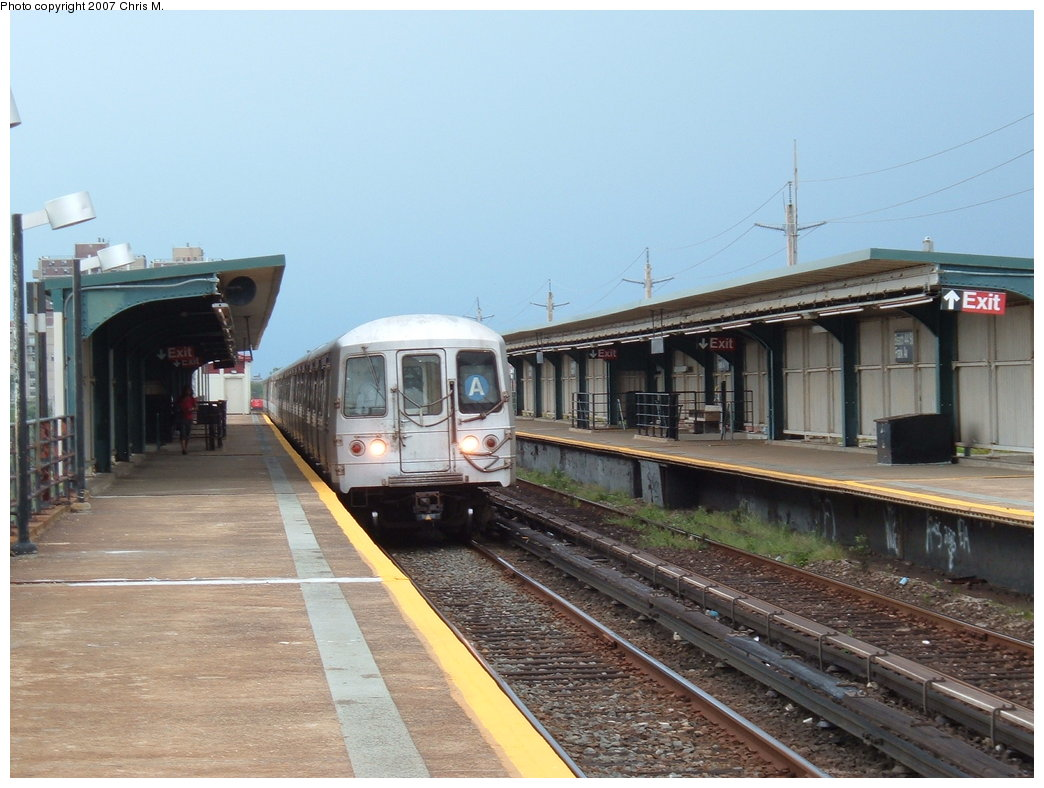 (170k, 1044x788)<br><b>Country:</b> United States<br><b>City:</b> New York<br><b>System:</b> New York City Transit<br><b>Line:</b> IND Rockaway<br><b>Location:</b> Beach 44th Street/Frank Avenue <br><b>Route:</b> A<br><b>Car:</b> R-44 (St. Louis, 1971-73) 5334 <br><b>Photo by:</b> Chris M.<br><b>Date:</b> 8/17/2007<br><b>Viewed (this week/total):</b> 0 / 2103