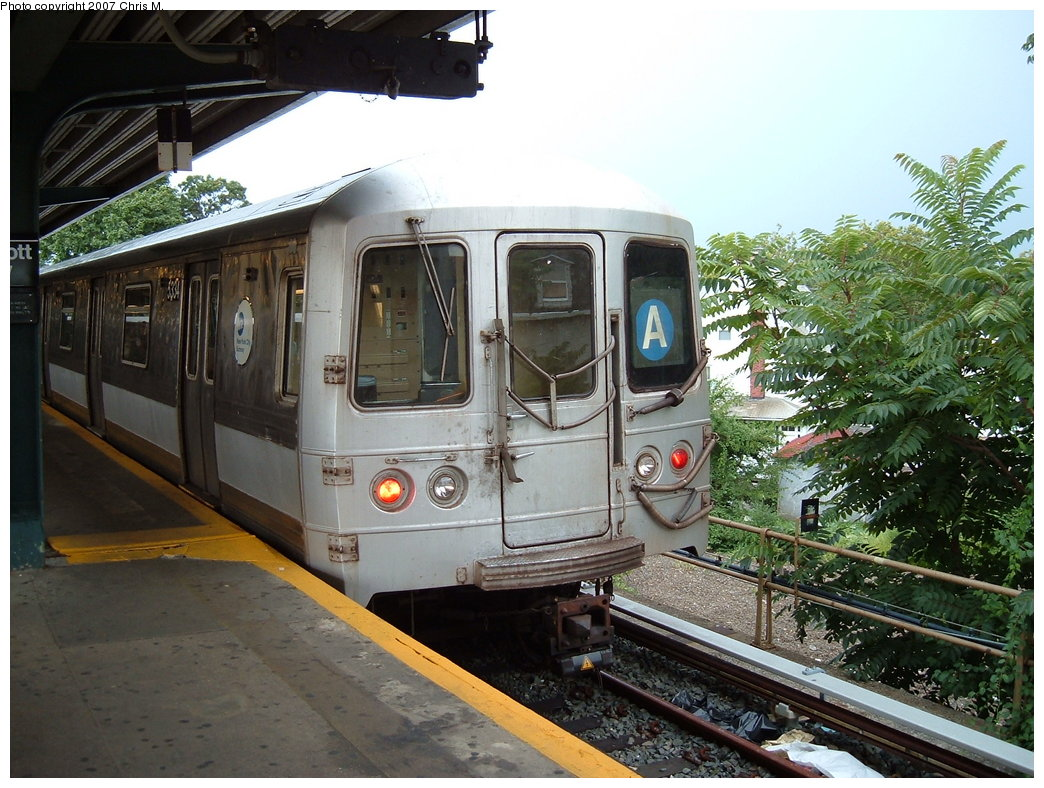 (213k, 1044x788)<br><b>Country:</b> United States<br><b>City:</b> New York<br><b>System:</b> New York City Transit<br><b>Line:</b> IND Rockaway<br><b>Location:</b> Mott Avenue/Far Rockaway <br><b>Route:</b> A<br><b>Car:</b> R-44 (St. Louis, 1971-73) 5334 <br><b>Photo by:</b> Chris M.<br><b>Date:</b> 8/17/2007<br><b>Viewed (this week/total):</b> 0 / 1374