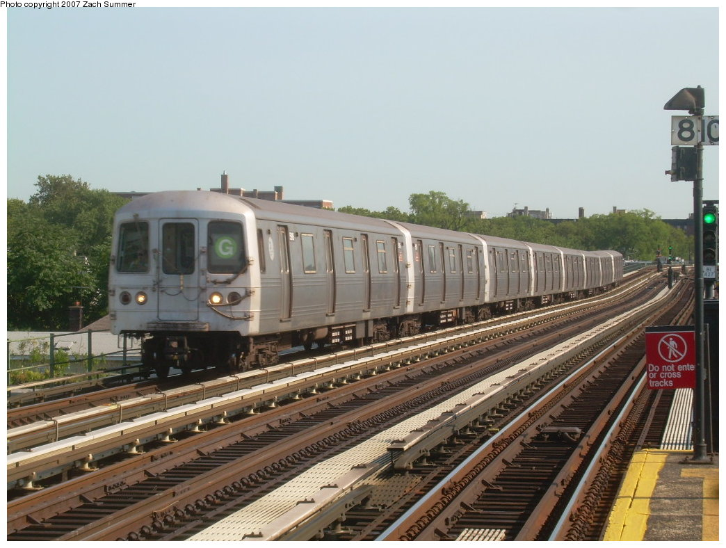 (212k, 1044x788)<br><b>Country:</b> United States<br><b>City:</b> New York<br><b>System:</b> New York City Transit<br><b>Line:</b> BMT Culver Line<br><b>Location:</b> Avenue P <br><b>Route:</b> G<br><b>Car:</b> R-46 (Pullman-Standard, 1974-75)  <br><b>Photo by:</b> Zach Summer<br><b>Date:</b> 8/12/2007<br><b>Viewed (this week/total):</b> 0 / 1428