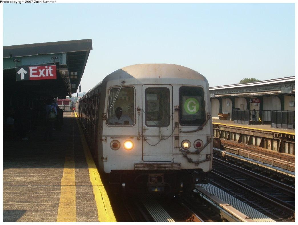 (174k, 1044x788)<br><b>Country:</b> United States<br><b>City:</b> New York<br><b>System:</b> New York City Transit<br><b>Line:</b> BMT Culver Line<br><b>Location:</b> Avenue P <br><b>Route:</b> G<br><b>Car:</b> R-46 (Pullman-Standard, 1974-75)  <br><b>Photo by:</b> Zach Summer<br><b>Date:</b> 8/12/2007<br><b>Viewed (this week/total):</b> 2 / 1795