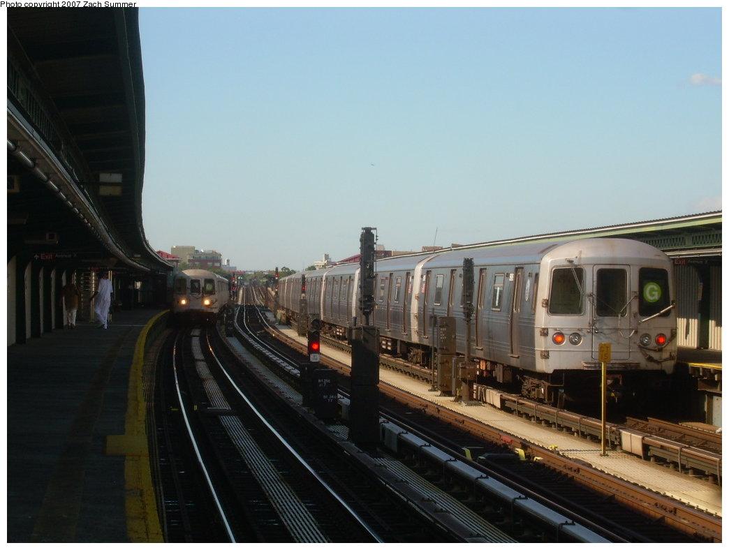 (164k, 1044x788)<br><b>Country:</b> United States<br><b>City:</b> New York<br><b>System:</b> New York City Transit<br><b>Line:</b> BMT Culver Line<br><b>Location:</b> Avenue X <br><b>Route:</b> G<br><b>Car:</b> R-46 (Pullman-Standard, 1974-75) 5906 <br><b>Photo by:</b> Zach Summer<br><b>Date:</b> 8/12/2007<br><b>Viewed (this week/total):</b> 1 / 2030