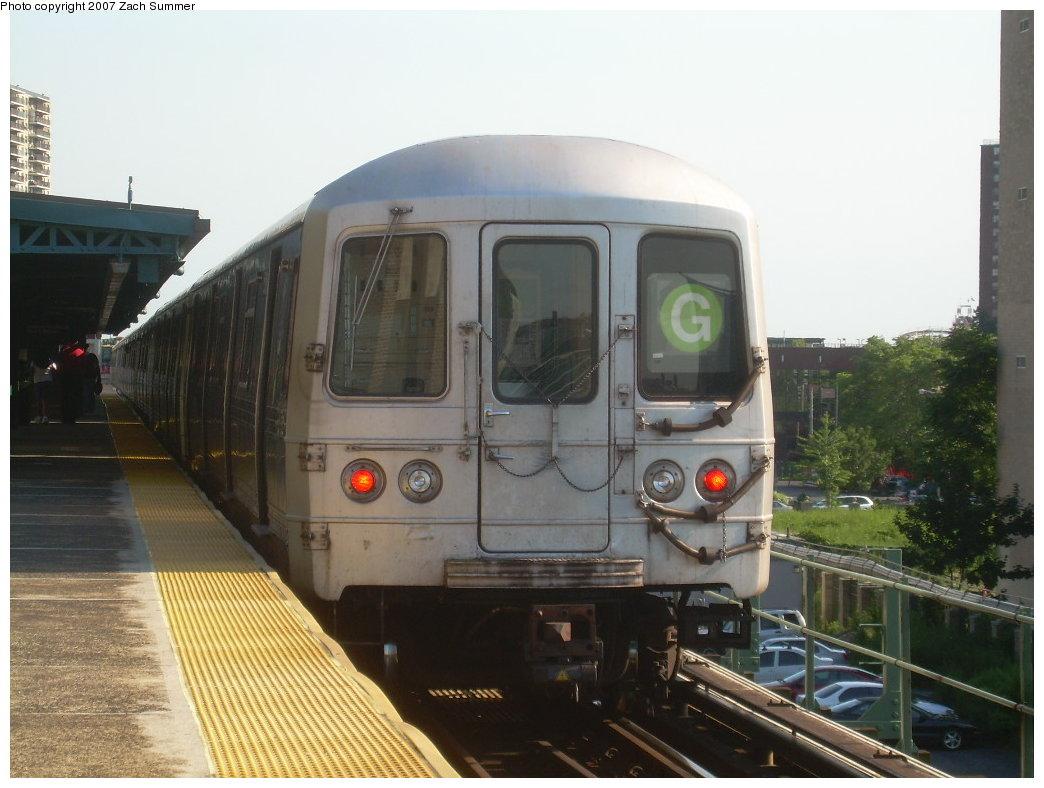 (184k, 1044x788)<br><b>Country:</b> United States<br><b>City:</b> New York<br><b>System:</b> New York City Transit<br><b>Line:</b> BMT Culver Line<br><b>Location:</b> Neptune Avenue<br><b>Route:</b> G<br><b>Car:</b> R-46 (Pullman-Standard, 1974-75)  <br><b>Photo by:</b> Zach Summer<br><b>Date:</b> 8/12/2007<br><b>Viewed (this week/total):</b> 2 / 1723