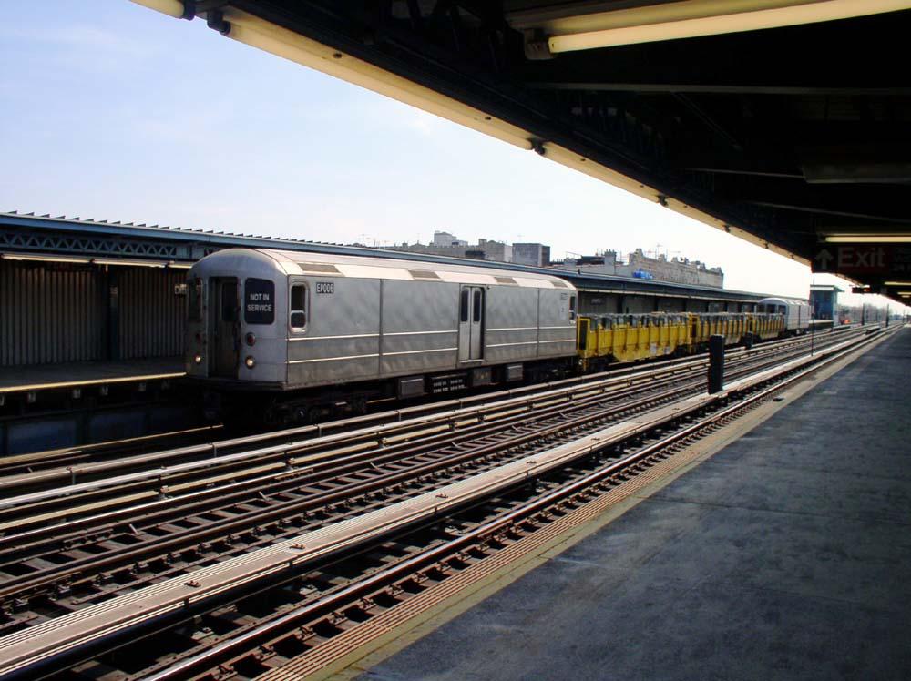 (132k, 1000x748)<br><b>Country:</b> United States<br><b>City:</b> New York<br><b>System:</b> New York City Transit<br><b>Line:</b> BMT Culver Line<br><b>Location:</b> Ditmas Avenue <br><b>Route:</b> Work Service<br><b>Car:</b> R-127/R-134 (Kawasaki, 1991-1996) EP006 <br><b>Photo by:</b> Christopher Sattler<br><b>Date:</b> 3/22/2003<br><b>Viewed (this week/total):</b> 0 / 1778