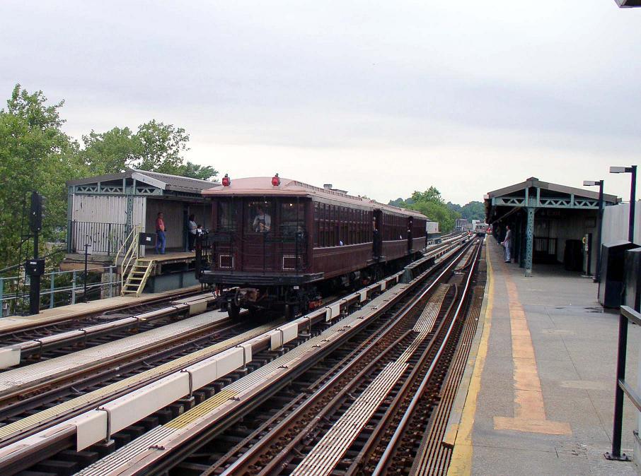(127k, 906x674)<br><b>Country:</b> United States<br><b>City:</b> New York<br><b>System:</b> New York City Transit<br><b>Line:</b> BMT West End Line<br><b>Location:</b> Fort Hamilton Parkway <br><b>Route:</b> Fan Trip<br><b>Car:</b> BMT Elevated Gate Car 1404/1237/1407 <br><b>Photo by:</b> Christopher Sattler<br><b>Date:</b> 7/24/2004<br><b>Viewed (this week/total):</b> 0 / 1378