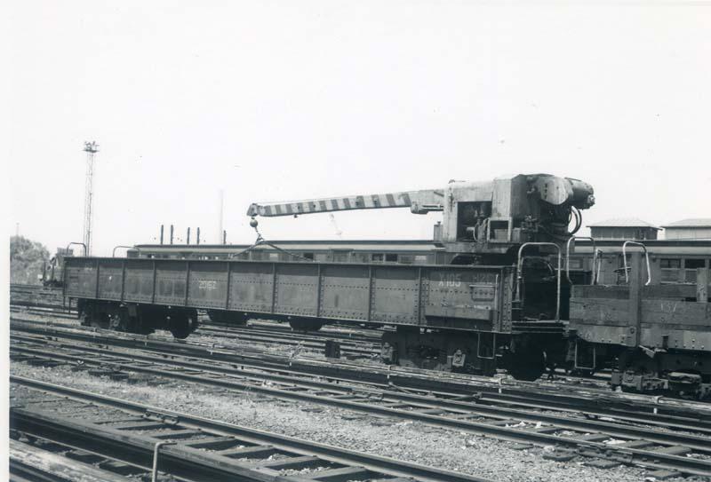 (67k, 800x543)<br><b>Country:</b> United States<br><b>City:</b> New York<br><b>System:</b> New York City Transit<br><b>Location:</b> Westchester Yard<br><b>Car:</b> R-20 Traveling Crane Car (1957, Magor Car Corp)  105 <br><b>Collection of:</b> Christopher Sattler<br><b>Date:</b> 6/6/1962<br><b>Viewed (this week/total):</b> 0 / 1777