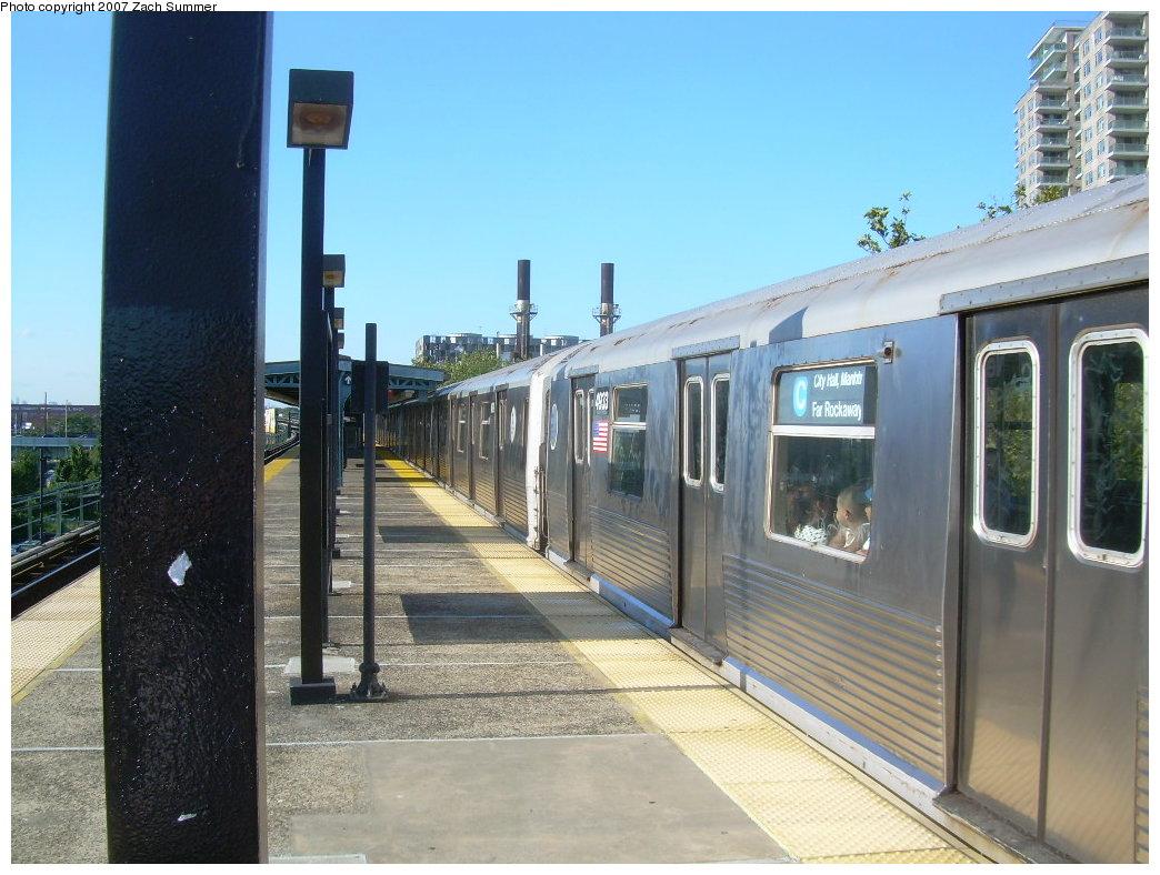 (209k, 1044x788)<br><b>Country:</b> United States<br><b>City:</b> New York<br><b>System:</b> New York City Transit<br><b>Line:</b> BMT Culver Line<br><b>Location:</b> Neptune Avenue <br><b>Route:</b> G<br><b>Car:</b> R-42 (St. Louis, 1969-1970)  4933 <br><b>Photo by:</b> Zach Summer<br><b>Date:</b> 8/12/2007<br><b>Viewed (this week/total):</b> 1 / 2568