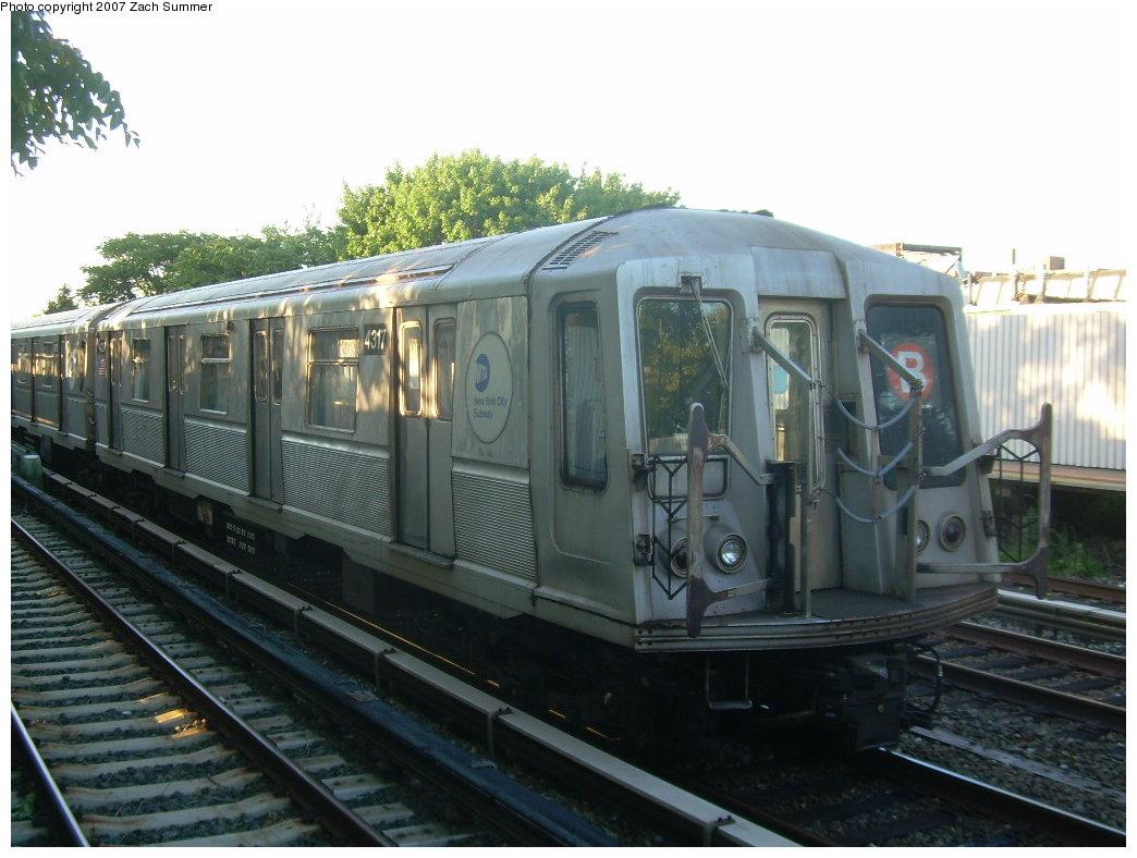 (191k, 1044x788)<br><b>Country:</b> United States<br><b>City:</b> New York<br><b>System:</b> New York City Transit<br><b>Line:</b> BMT Brighton Line<br><b>Location:</b> Neck Road <br><b>Route:</b> B<br><b>Car:</b> R-40 (St. Louis, 1968)  4317 <br><b>Photo by:</b> Zach Summer<br><b>Date:</b> 8/12/2007<br><b>Notes:</b> Layup train at Neck Rd.<br><b>Viewed (this week/total):</b> 2 / 1558