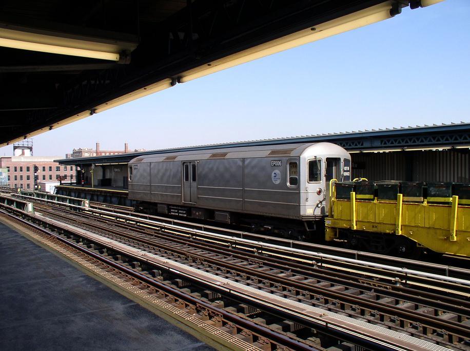 (117k, 916x685)<br><b>Country:</b> United States<br><b>City:</b> New York<br><b>System:</b> New York City Transit<br><b>Line:</b> BMT Culver Line<br><b>Location:</b> Ditmas Avenue <br><b>Route:</b> Work Service<br><b>Car:</b> R-127/R-134 (Kawasaki, 1991-1996) EP006 <br><b>Photo by:</b> Christopher Sattler<br><b>Date:</b> 3/22/2003<br><b>Viewed (this week/total):</b> 0 / 1738