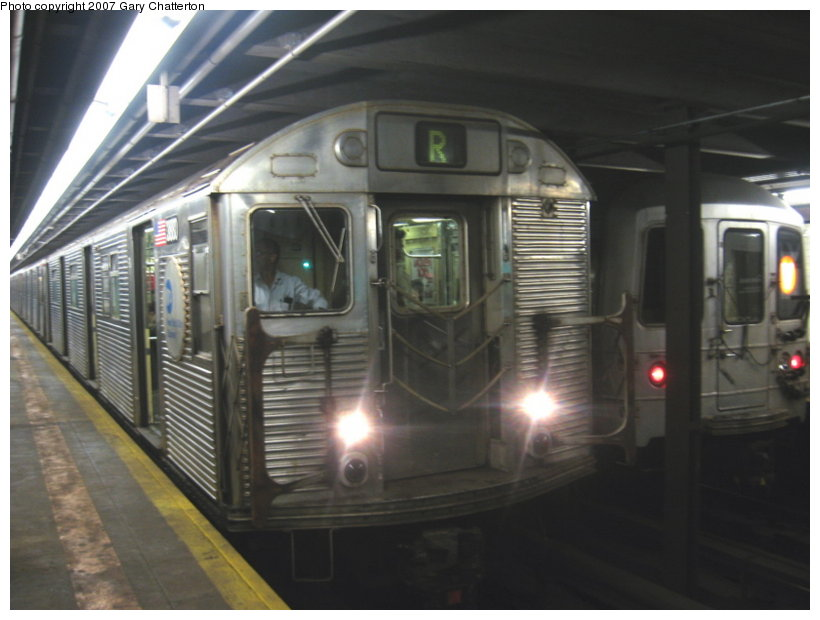 (87k, 820x620)<br><b>Country:</b> United States<br><b>City:</b> New York<br><b>System:</b> New York City Transit<br><b>Line:</b> IND Queens Boulevard Line<br><b>Location:</b> Northern Boulevard <br><b>Route:</b> R<br><b>Car:</b> R-32 (GE Rebuild) 3880 <br><b>Photo by:</b> Gary Chatterton<br><b>Date:</b> 8/20/2007<br><b>Viewed (this week/total):</b> 3 / 4271