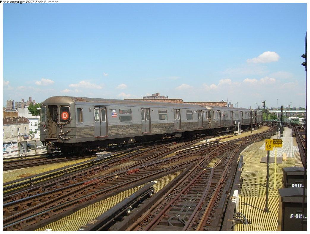 (225k, 1044x788)<br><b>Country:</b> United States<br><b>City:</b> New York<br><b>System:</b> New York City Transit<br><b>Location:</b> Coney Island/Stillwell Avenue<br><b>Route:</b> D<br><b>Car:</b> R-68 (Westinghouse-Amrail, 1986-1988)  2572 <br><b>Photo by:</b> Zach Summer<br><b>Date:</b> 8/12/2007<br><b>Viewed (this week/total):</b> 0 / 1608