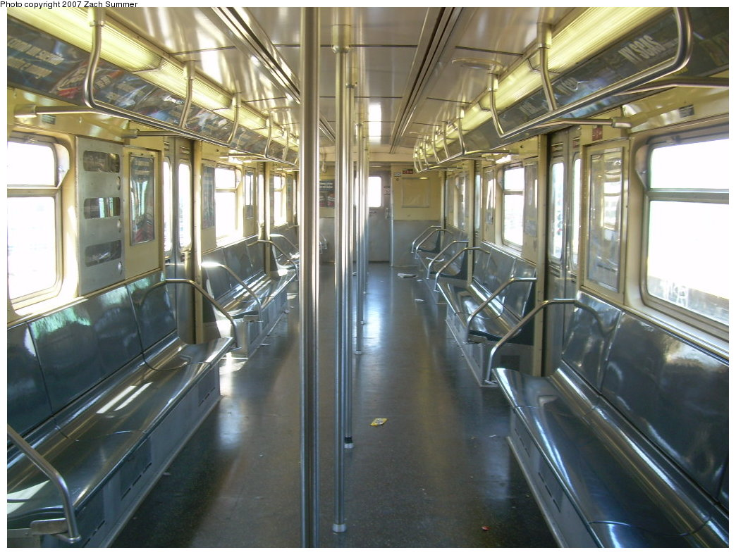 (218k, 1044x788)<br><b>Country:</b> United States<br><b>City:</b> New York<br><b>System:</b> New York City Transit<br><b>Route:</b> G<br><b>Car:</b> R-32 (Budd, 1964)  3501 <br><b>Photo by:</b> Zach Summer<br><b>Date:</b> 8/12/2007<br><b>Viewed (this week/total):</b> 0 / 1881