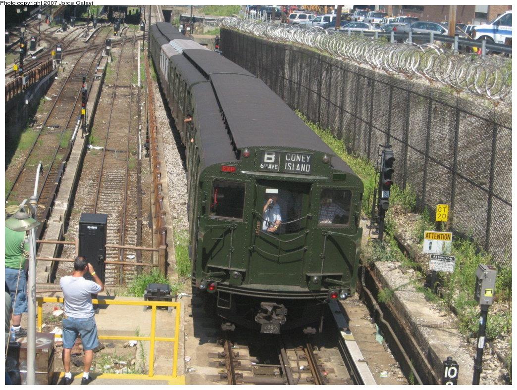 (256k, 1044x788)<br><b>Country:</b> United States<br><b>City:</b> New York<br><b>System:</b> New York City Transit<br><b>Line:</b> BMT West End Line<br><b>Location:</b> 9th Avenue <br><b>Route:</b> Fan Trip<br><b>Car:</b> R-1 (American Car & Foundry, 1930-1931) 100 <br><b>Photo by:</b> Jorge Catayi<br><b>Date:</b> 8/12/2007<br><b>Viewed (this week/total):</b> 1 / 2662