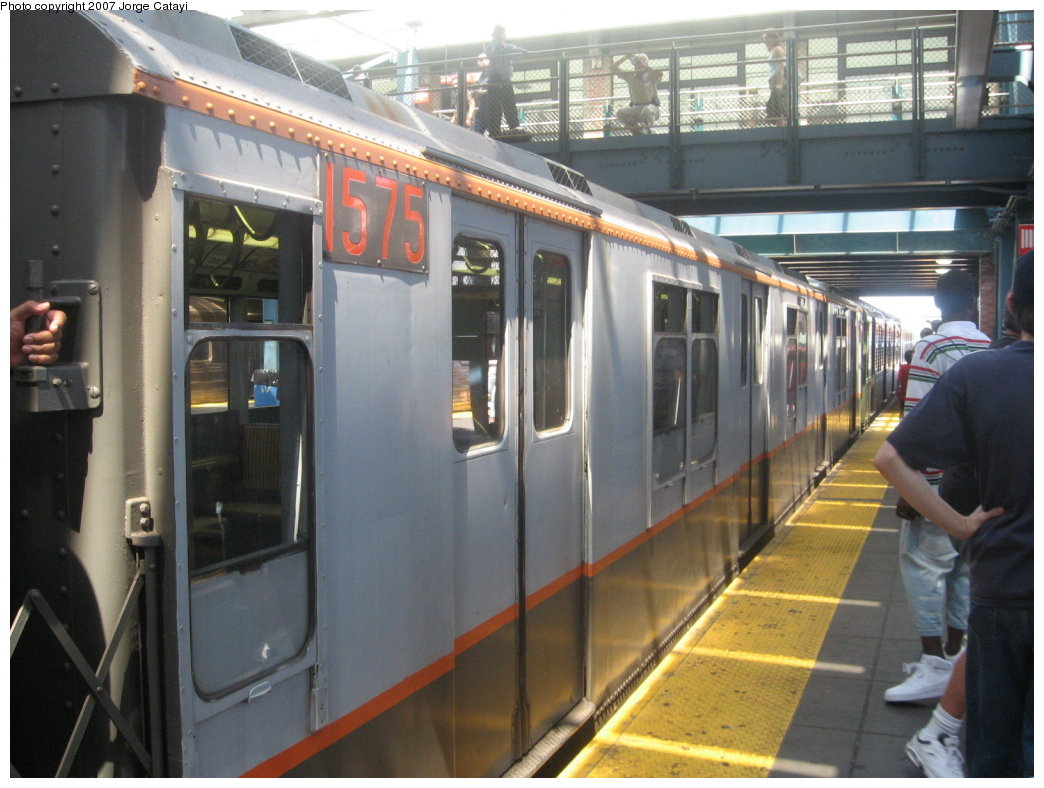(163k, 1044x788)<br><b>Country:</b> United States<br><b>City:</b> New York<br><b>System:</b> New York City Transit<br><b>Location:</b> Coney Island/Stillwell Avenue<br><b>Route:</b> Fan Trip<br><b>Car:</b> R-7A (Pullman, 1938)  1575 <br><b>Photo by:</b> Jorge Catayi<br><b>Date:</b> 8/12/2007<br><b>Viewed (this week/total):</b> 2 / 1763