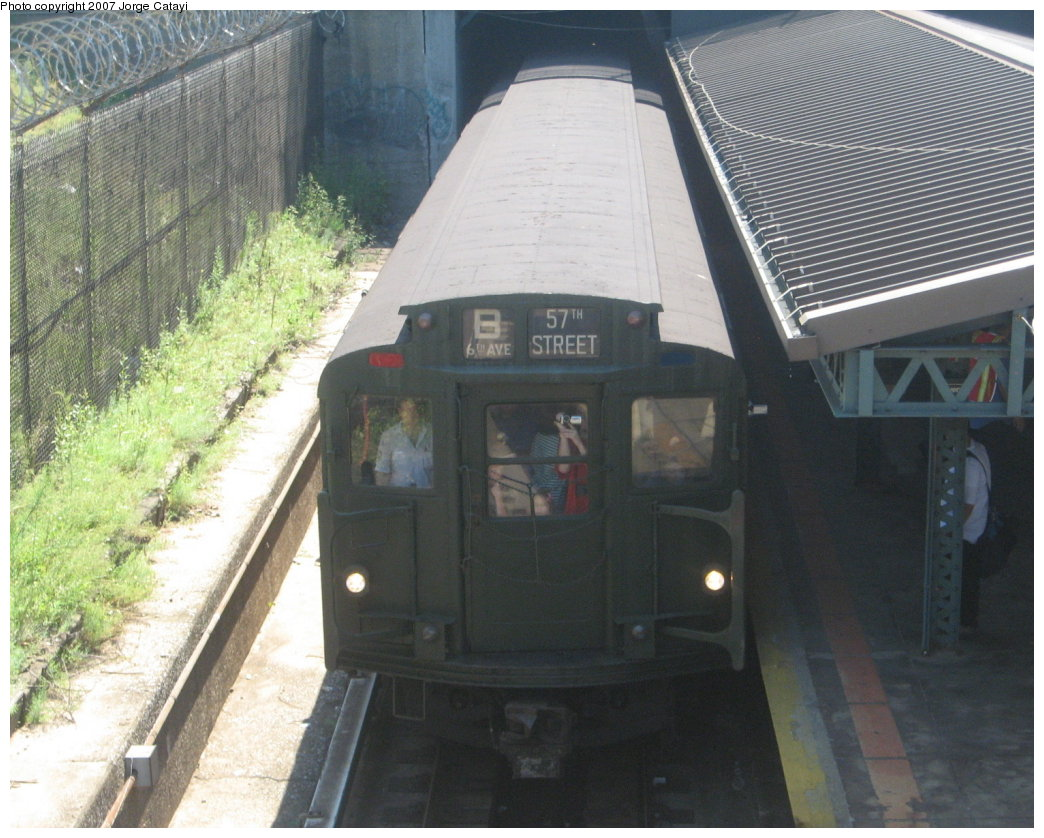 (186k, 1044x838)<br><b>Country:</b> United States<br><b>City:</b> New York<br><b>System:</b> New York City Transit<br><b>Line:</b> BMT West End Line<br><b>Location:</b> 9th Avenue <br><b>Route:</b> Fan Trip<br><b>Car:</b> R-9 (Pressed Steel, 1940)  1802 <br><b>Photo by:</b> Jorge Catayi<br><b>Date:</b> 8/12/2007<br><b>Viewed (this week/total):</b> 1 / 2197