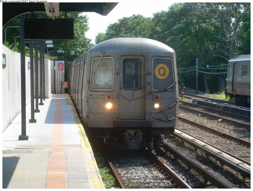 (246k, 1044x788)<br><b>Country:</b> United States<br><b>City:</b> New York<br><b>System:</b> New York City Transit<br><b>Line:</b> BMT Brighton Line<br><b>Location:</b> Avenue U <br><b>Route:</b> Q<br><b>Car:</b> R-68A (Kawasaki, 1988-1989)   <br><b>Photo by:</b> Zach Summer<br><b>Date:</b> 8/12/2007<br><b>Viewed (this week/total):</b> 1 / 2148