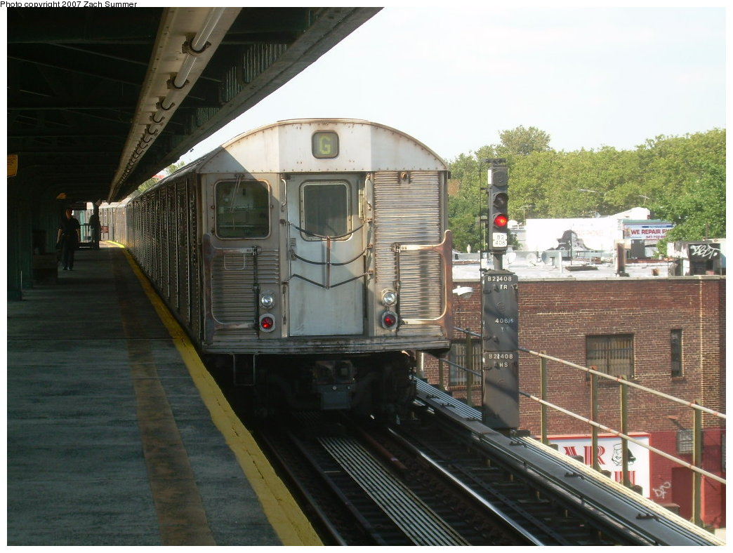 (209k, 1044x788)<br><b>Country:</b> United States<br><b>City:</b> New York<br><b>System:</b> New York City Transit<br><b>Line:</b> BMT Culver Line<br><b>Location:</b> Kings Highway <br><b>Route:</b> G<br><b>Car:</b> R-32 (Budd, 1964)  3501 <br><b>Photo by:</b> Zach Summer<br><b>Date:</b> 8/12/2007<br><b>Viewed (this week/total):</b> 0 / 2121