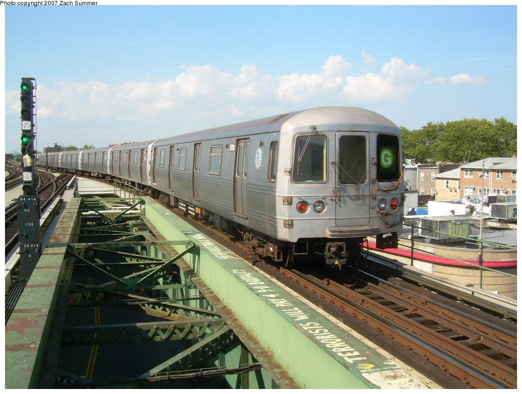 (220k, 1044x788)<br><b>Country:</b> United States<br><b>City:</b> New York<br><b>System:</b> New York City Transit<br><b>Line:</b> BMT Culver Line<br><b>Location:</b> Kings Highway <br><b>Route:</b> G<br><b>Car:</b> R-46 (Pullman-Standard, 1974-75) 5700 <br><b>Photo by:</b> Zach Summer<br><b>Date:</b> 8/12/2007<br><b>Viewed (this week/total):</b> 0 / 2254