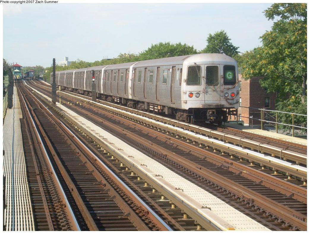 (267k, 1044x788)<br><b>Country:</b> United States<br><b>City:</b> New York<br><b>System:</b> New York City Transit<br><b>Line:</b> BMT Culver Line<br><b>Location:</b> Avenue U <br><b>Route:</b> G<br><b>Car:</b> R-46 (Pullman-Standard, 1974-75)  <br><b>Photo by:</b> Zach Summer<br><b>Date:</b> 8/12/2007<br><b>Viewed (this week/total):</b> 5 / 2048