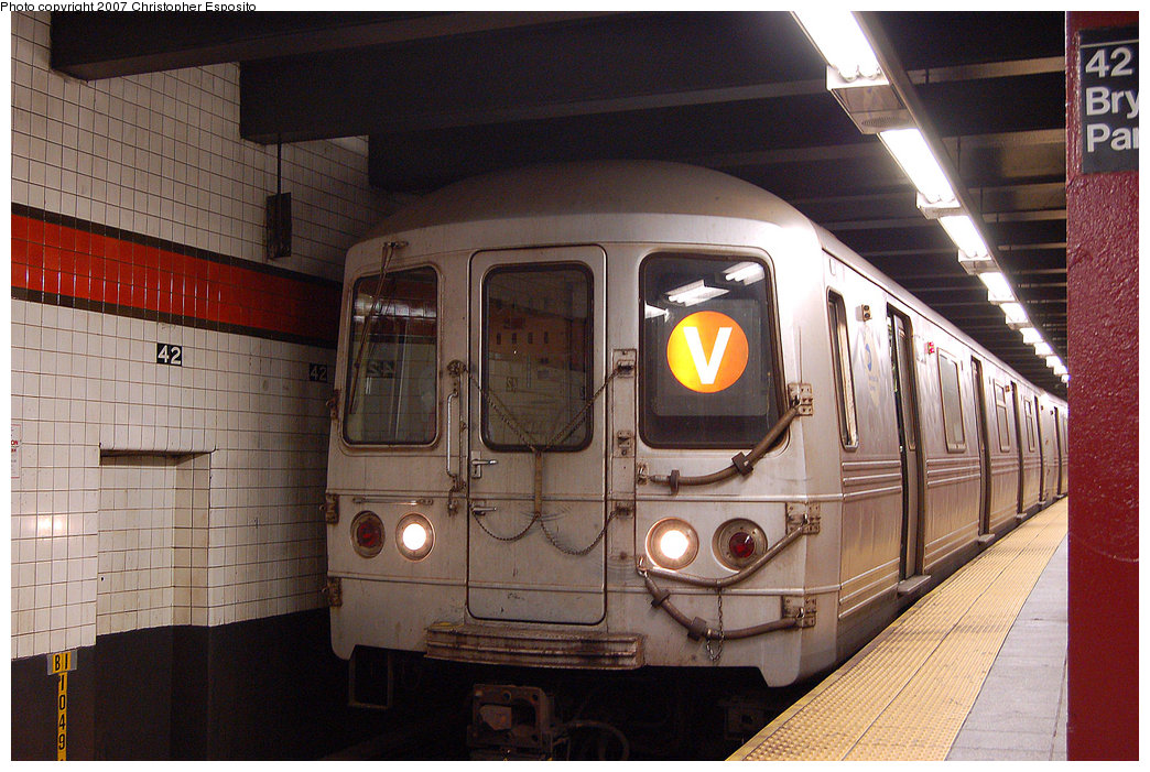 (222k, 1044x701)<br><b>Country:</b> United States<br><b>City:</b> New York<br><b>System:</b> New York City Transit<br><b>Line:</b> IND 6th Avenue Line<br><b>Location:</b> 42nd Street/Bryant Park <br><b>Route:</b> V<br><b>Car:</b> R-46 (Pullman-Standard, 1974-75)  <br><b>Photo by:</b> Christopher Esposito<br><b>Date:</b> 8/22/2007<br><b>Viewed (this week/total):</b> 3 / 2455