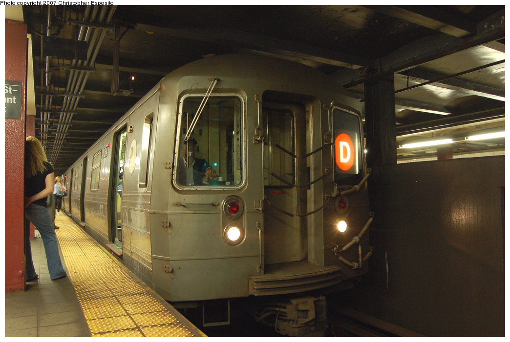 (176k, 1044x701)<br><b>Country:</b> United States<br><b>City:</b> New York<br><b>System:</b> New York City Transit<br><b>Line:</b> IND 6th Avenue Line<br><b>Location:</b> 42nd Street/Bryant Park <br><b>Route:</b> D<br><b>Car:</b> R-68 (Westinghouse-Amrail, 1986-1988)  2514 <br><b>Photo by:</b> Christopher Esposito<br><b>Date:</b> 8/22/2007<br><b>Viewed (this week/total):</b> 0 / 2546