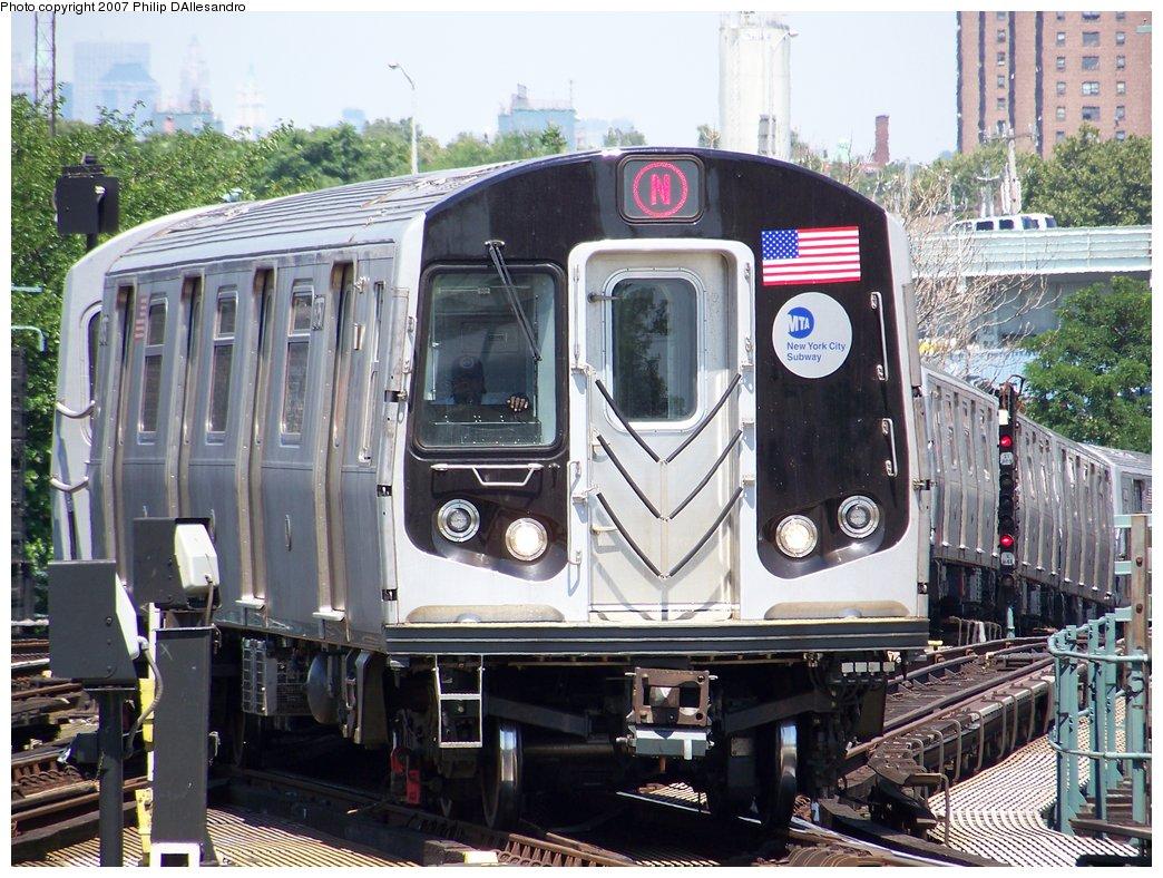 (231k, 1044x788)<br><b>Country:</b> United States<br><b>City:</b> New York<br><b>System:</b> New York City Transit<br><b>Location:</b> Coney Island/Stillwell Avenue<br><b>Route:</b> N<br><b>Car:</b> R-160B (Kawasaki, 2005-2008)  8757 <br><b>Photo by:</b> Philip D'Allesandro<br><b>Date:</b> 8/12/2007<br><b>Viewed (this week/total):</b> 3 / 2132