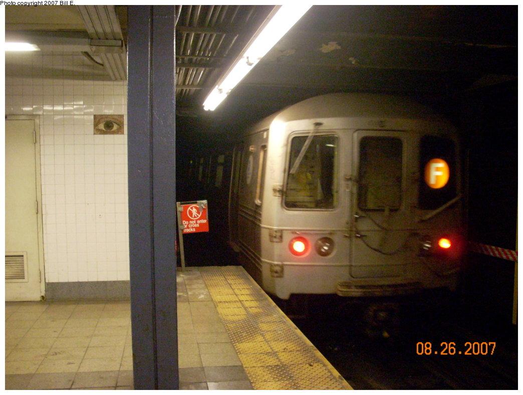 (184k, 1044x788)<br><b>Country:</b> United States<br><b>City:</b> New York<br><b>System:</b> New York City Transit<br><b>Line:</b> IND 8th Avenue Line<br><b>Location:</b> Chambers Street/World Trade Center <br><b>Route:</b> F<br><b>Car:</b> R-46 (Pullman-Standard, 1974-75)  <br><b>Photo by:</b> Bill E.<br><b>Date:</b> 8/26/2007<br><b>Notes:</b> F re-route on A line.<br><b>Viewed (this week/total):</b> 0 / 2414