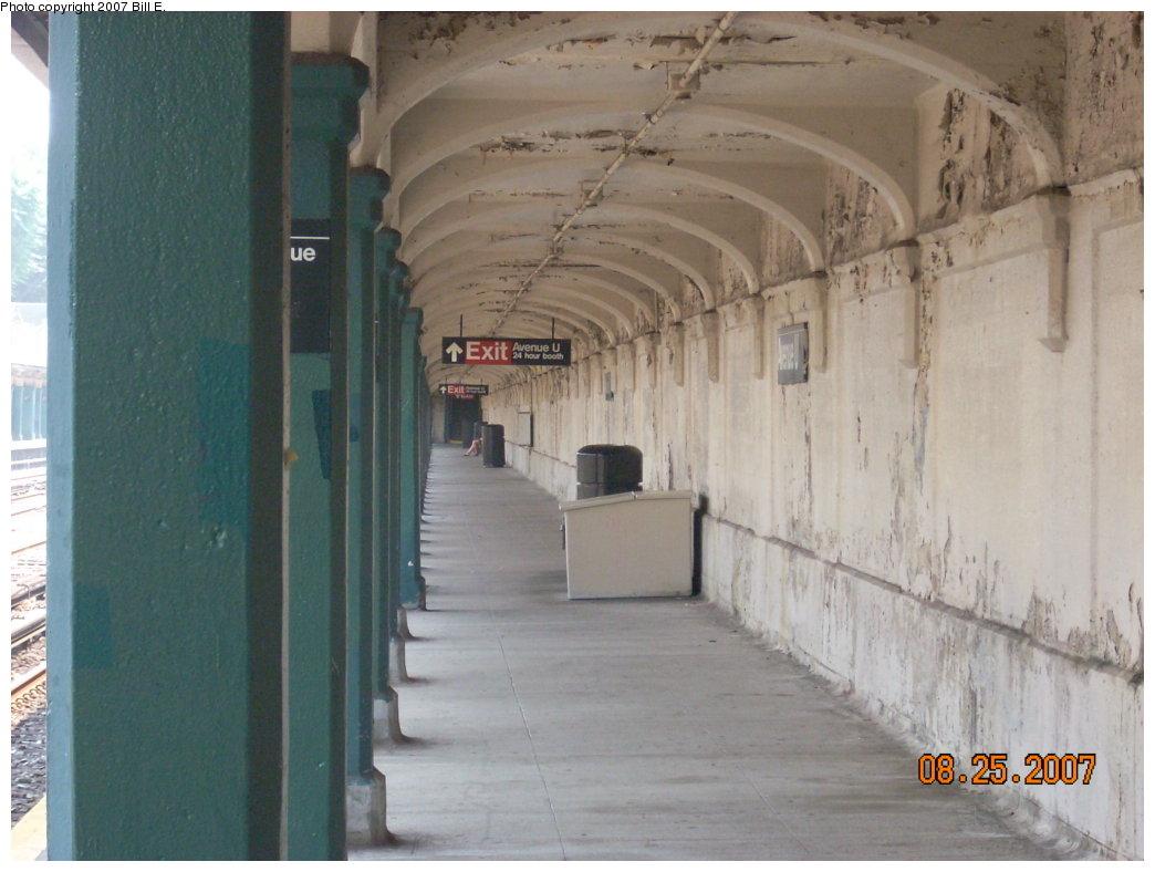 (173k, 1044x788)<br><b>Country:</b> United States<br><b>City:</b> New York<br><b>System:</b> New York City Transit<br><b>Line:</b> BMT Sea Beach Line<br><b>Location:</b> Avenue U <br><b>Photo by:</b> Bill E.<br><b>Date:</b> 8/25/2007<br><b>Viewed (this week/total):</b> 0 / 1600