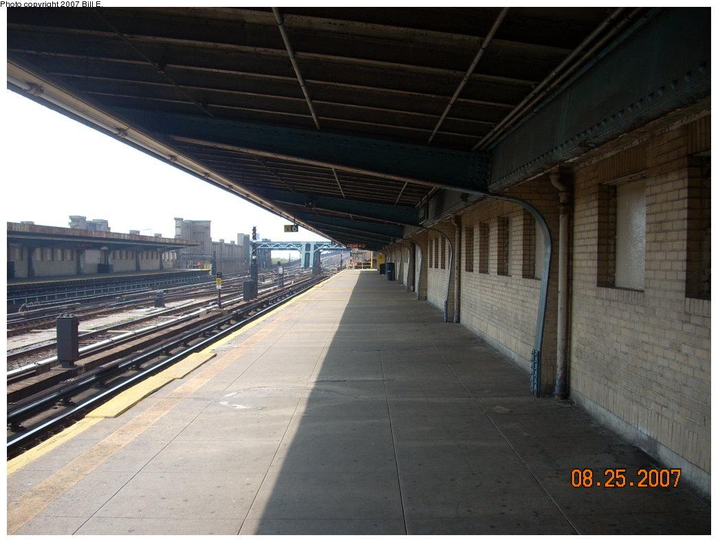 (179k, 1044x788)<br><b>Country:</b> United States<br><b>City:</b> New York<br><b>System:</b> New York City Transit<br><b>Line:</b> IND Crosstown Line<br><b>Location:</b> 4th Avenue <br><b>Photo by:</b> Bill E.<br><b>Date:</b> 8/25/2007<br><b>Viewed (this week/total):</b> 0 / 919
