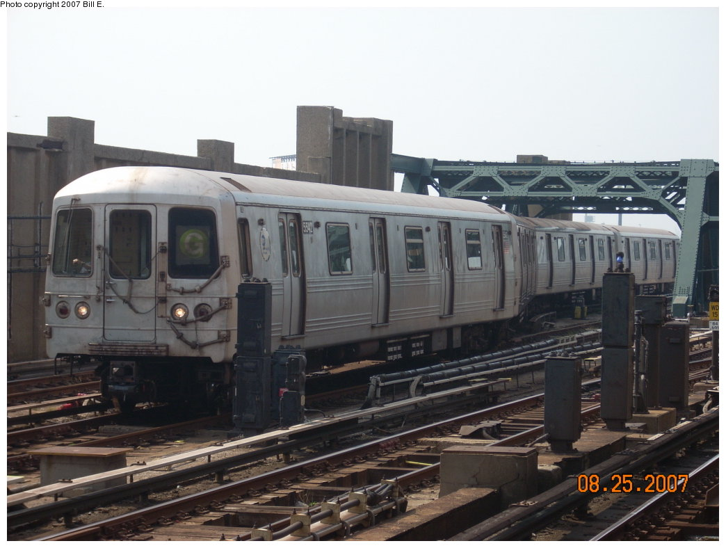 (177k, 1044x788)<br><b>Country:</b> United States<br><b>City:</b> New York<br><b>System:</b> New York City Transit<br><b>Line:</b> IND Crosstown Line<br><b>Location:</b> 4th Avenue <br><b>Route:</b> G<br><b>Car:</b> R-46 (Pullman-Standard, 1974-75) 5542 <br><b>Photo by:</b> Bill E.<br><b>Date:</b> 8/25/2007<br><b>Viewed (this week/total):</b> 0 / 1934