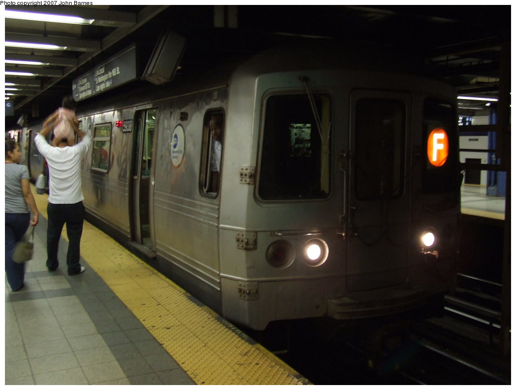 (124k, 1044x788)<br><b>Country:</b> United States<br><b>City:</b> New York<br><b>System:</b> New York City Transit<br><b>Line:</b> IND 8th Avenue Line<br><b>Location:</b> Canal Street-Holland Tunnel <br><b>Route:</b> F<br><b>Car:</b> R-46 (Pullman-Standard, 1974-75) 5938 <br><b>Photo by:</b> John Barnes<br><b>Date:</b> 8/26/2007<br><b>Notes:</b> F train re-routed on the A Line for a weekend G.O.<br><b>Viewed (this week/total):</b> 0 / 2909