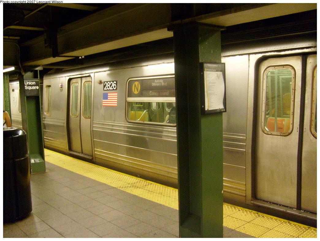 (201k, 1044x788)<br><b>Country:</b> United States<br><b>City:</b> New York<br><b>System:</b> New York City Transit<br><b>Line:</b> BMT Broadway Line<br><b>Location:</b> 14th Street/Union Square <br><b>Route:</b> N<br><b>Car:</b> R-68 (Westinghouse-Amrail, 1986-1988)  2826 <br><b>Photo by:</b> Leonard Wilson<br><b>Date:</b> 8/24/2007<br><b>Viewed (this week/total):</b> 0 / 3353