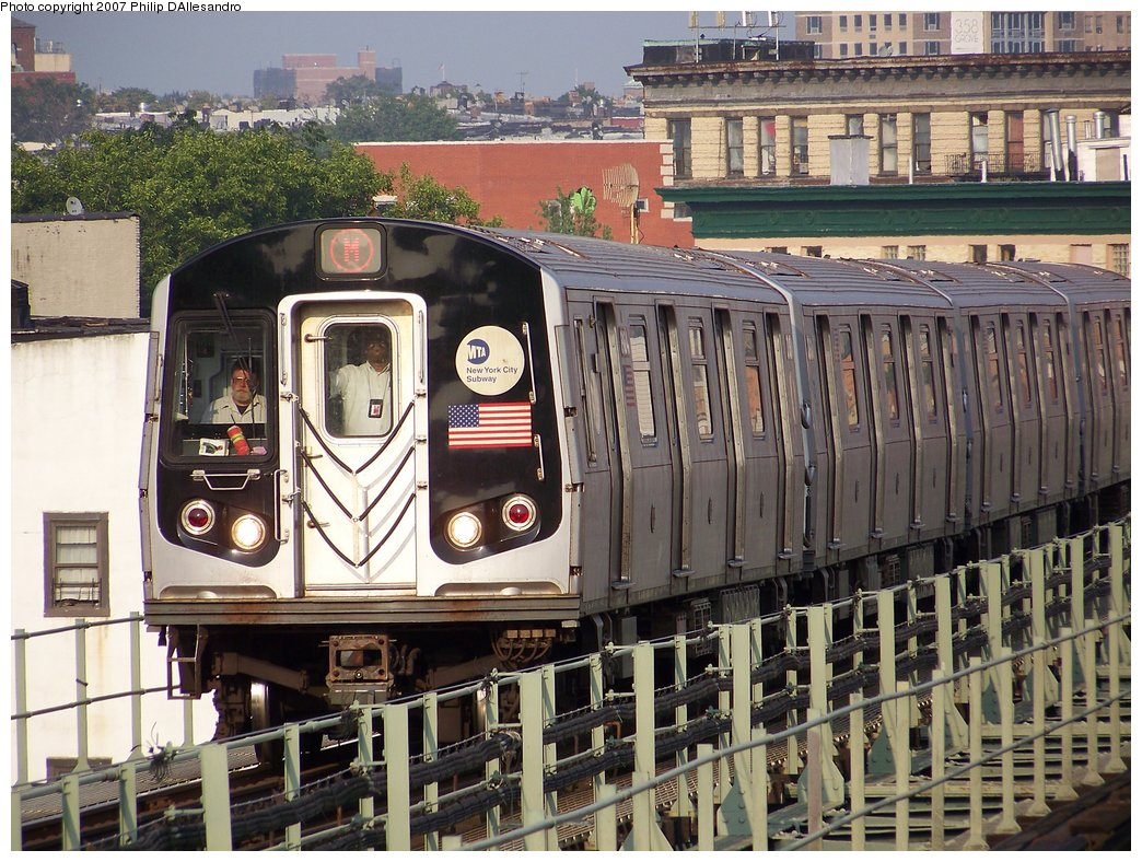 (243k, 1044x788)<br><b>Country:</b> United States<br><b>City:</b> New York<br><b>System:</b> New York City Transit<br><b>Line:</b> BMT Myrtle Avenue Line<br><b>Location:</b> Central Avenue <br><b>Route:</b> M<br><b>Car:</b> R-143 (Kawasaki, 2001-2002) 8184 <br><b>Photo by:</b> Philip D'Allesandro<br><b>Date:</b> 8/25/2007<br><b>Viewed (this week/total):</b> 0 / 2256